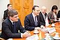Ministru prezidents Valdis Dombrovskis tiekas ar Polijas ārlietu ministru Radoslavu Sikorski (8470088925).jpg