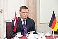 Ministru prezidents Valdis Dombrovskis tiekas ar Vācijas vēstnieci Latvijā Andreu Viktorīnu (7836390368).jpg