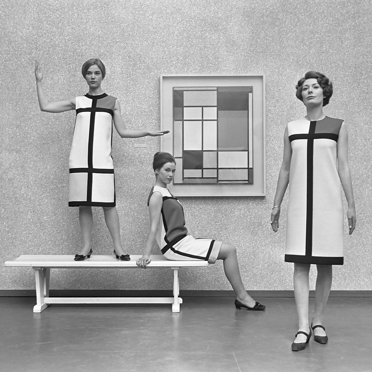 Line Composition In Fashion Designing : The mondrian collection of yves saint laurent wikipedia