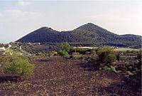 Monti Rossi da Nord.jpg