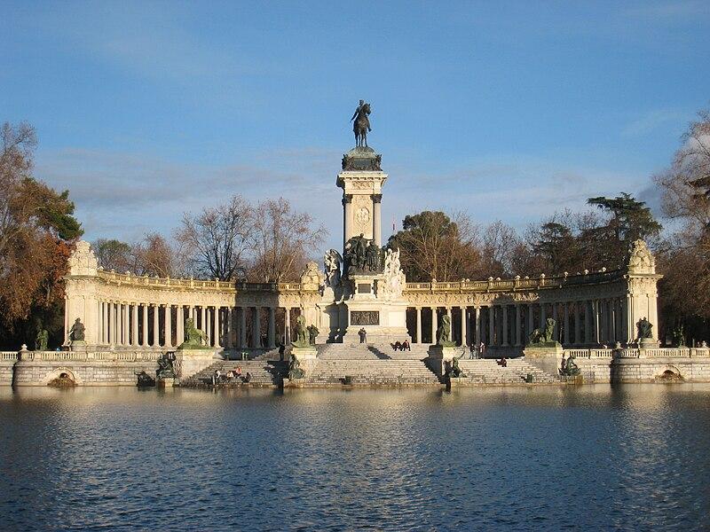 صور مدينه مدريد الاسبانيه  800px-Monument_to_Alfonso_XII_of_Spain,_Madrid_-_general_view_1