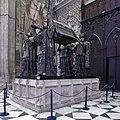 Monumento funerario de Cristóbal Colón. Catedral de Sevilla.jpg