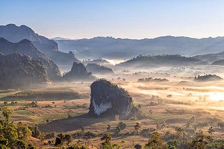 Morning at Tham Sakoen