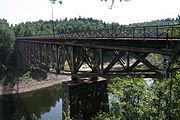 Most kolejowy nad Bobrem w okolicach Pilchowic.JPG