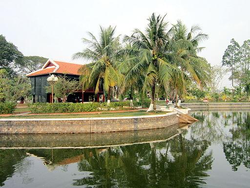 Nhà sàn Bác Hồ ở Cao Lãnh
