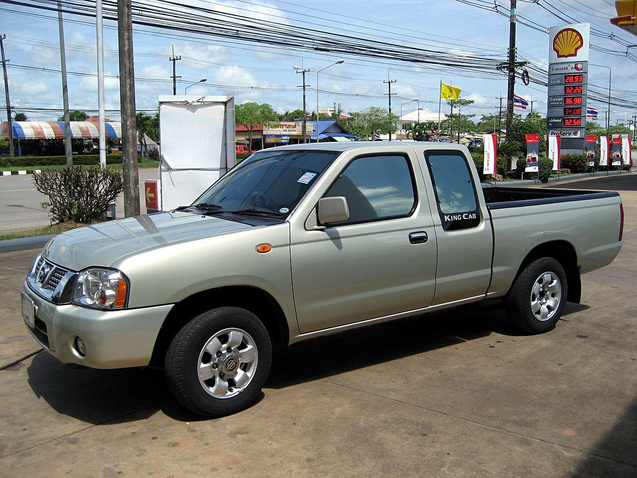 File:Nissan Frontier TL TD27 2003.JPG