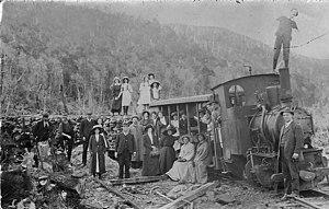 North East Dundas Tramway - Image: North East Dundas Tramway, Picnic (28749219905)