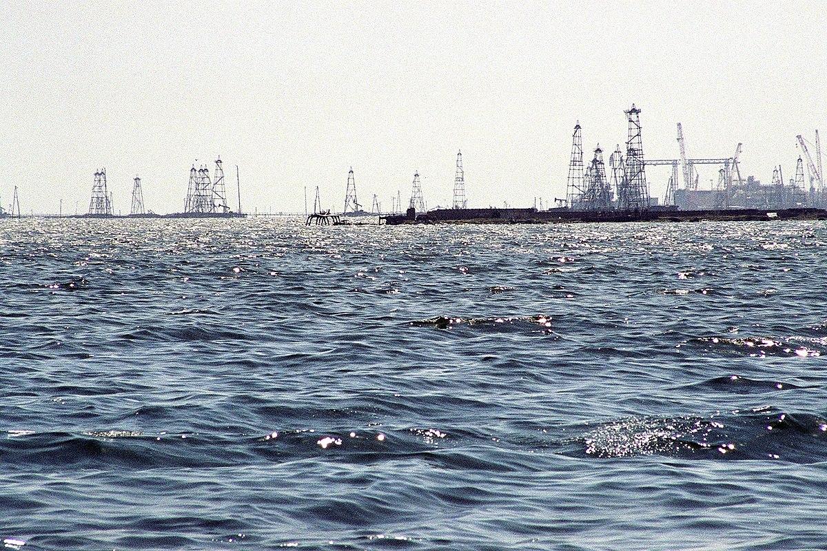 Oil Rocks near Baku.jpg