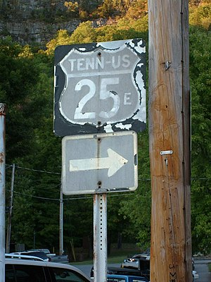 U.S. Route 25E - Old US 25E sign in Cumberland Gap, Tennessee directing traffic to the former route over Cumberland Gap.