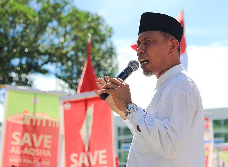 Berkas:Orasi Mahyeldi Walikota Padang.JPG