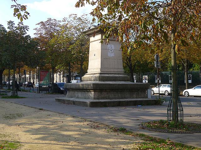 Place de l'Île-de-Sein