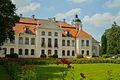 Pałac w Kozłówce, widok od ogrodu.jpg