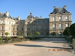 Palais du luxembourg front.jpeg
