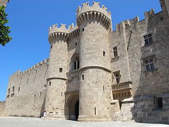 Palace of the Grand Master of the Knights of Rhodes - Image: Palazzo dei gran maestri di rodi, entrata principale 01