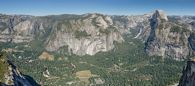 Yosemite Valley Panoramic Overview from Glacier Point over Yosemite Valley 2013 Alternative.jpg