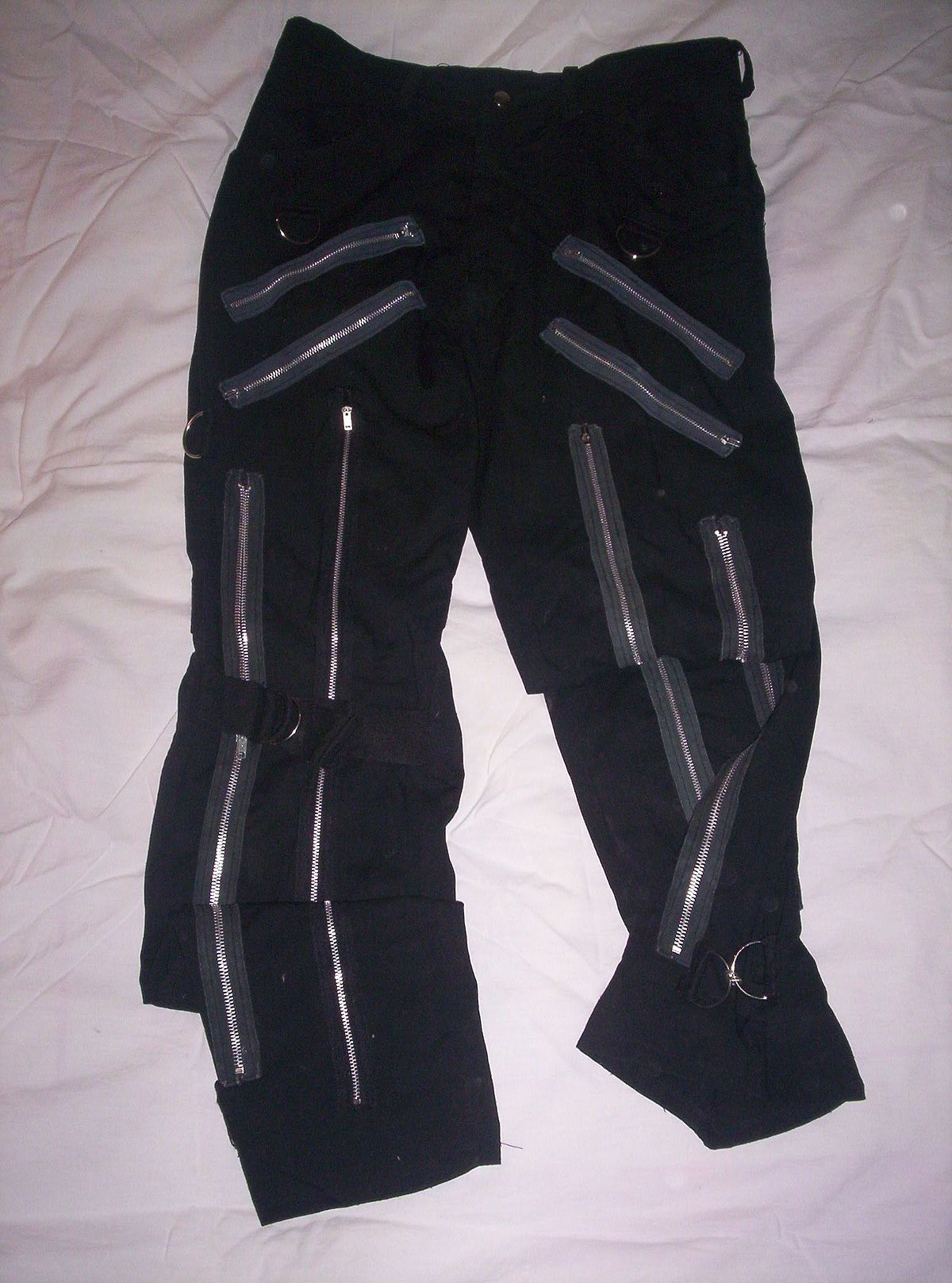 Bondage pants zippers