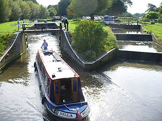 Wey and Godalming Navigations - Papercourt lock with no flow along the bypass channel