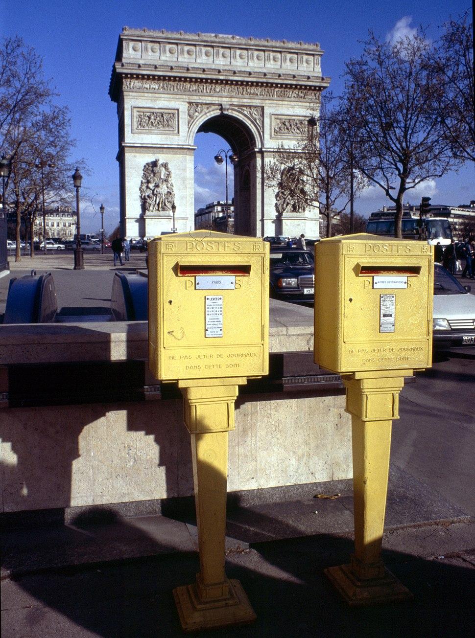 Paris-Arc de Triomphe-084-Briefkaesten-1991-gje