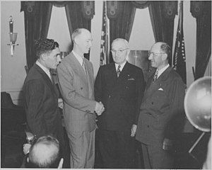 Milton Reynolds - Reynolds (right) in the Oval Office (1947)