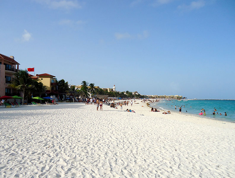 File:Playa del Carmen.jpg