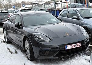 Porsche Panamera Sport Turismo bei Hasselt.jpg