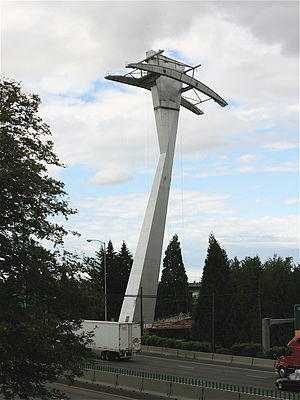 Portland Aerial Tram - The intermediate tram support tower under construction. The tower is adjacent to the northbound lanes of Interstate 5.