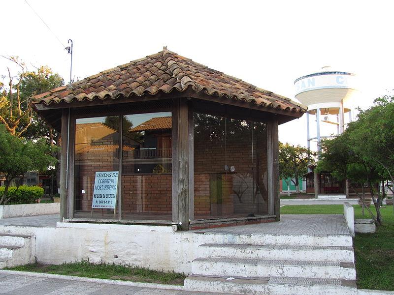 Ficheiro:Praça central de Mostardas 05.JPG