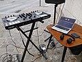 Printemps de Bourges 2019-14, contrôleur DJ et portable.jpg