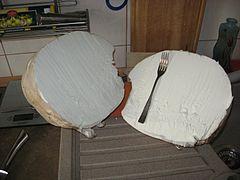 https://upload.wikimedia.org/wikipedia/commons/thumb/0/0f/Purchawka_olbrzymia_i_widelec.jpg/240px-Purchawka_olbrzymia_i_widelec.jpg