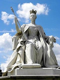 statue outside Kensington Palace, London