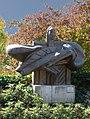 Raoul Ratnowsky (1912–199) Skulptur (vom Meer) auf dem Friedhof von Dornach, Solothurn.jpg