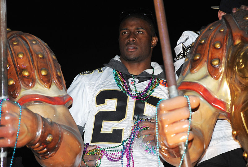 File:Reggie Bush Saints victory parade.jpg