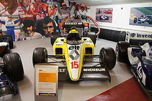 Renault RE50 - Donington Park.JPG