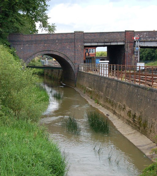 River Cherwell and railway, Bridge Street bridge, Banbury - geograph.org.uk - 1350742
