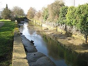 Barnes Cray - Image: River Cray in Barnes Cray geograph.org.uk 739083