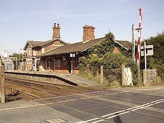 Robertsbridge - Image: Robertsbridge station and level crossing geograph.org.uk 123753