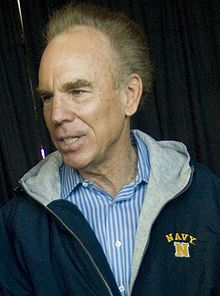 Description de l'image  Roger-Staubach-Dec-1-2007-ArmyNavy-Game.jpg.