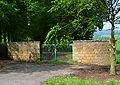 Rommenhöller-Denkmal Eingangstor.jpg