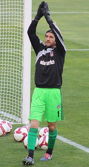 Rüştü Reçber - Rüştü, playing for Beşiktaş in 2010.