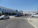 Ruzyně, K letišti, terminál 3 a hotel Ramada.jpg