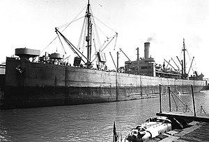 SS Dakotan - SS Zyrianin in port at San Francisco, c. 1943
