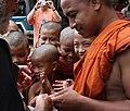 Sagaing-Aung Myae Oo-Klosterschule-06-Moenche-gje.jpg