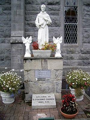 Féchín of Fore - Saint Féchín statue at Fore Abbey