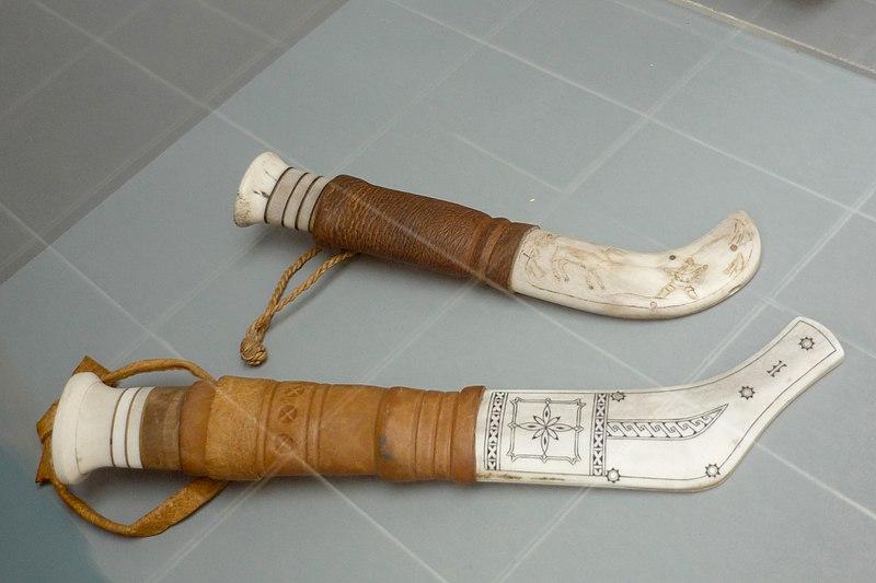 File:Sami knives - Arctic Museum.jpg