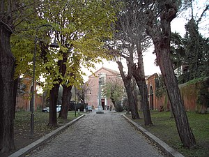 San Pancrazio - Entrance avenue through the forecourt