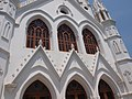 San Thome Basilica, Chennai, India (14203442597).jpg