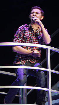 http://upload.wikimedia.org/wikipedia/commons/thumb/0/0f/Scotty_McCreery.jpg/200px-Scotty_McCreery.jpg