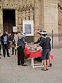 Scouts d' Europe vendant des pâtisseries (1).JPG