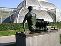 Sculpture outside of the Palm house - Kew gardens - geograph.org.uk - 782242.jpg