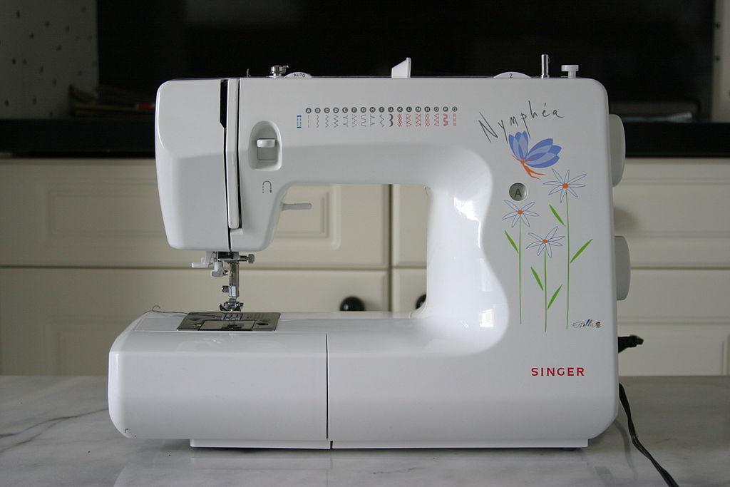 FileSewing Machine Singer Nymphéa 40Ajpeg Wikimedia Commons Delectable Sewing Machine Wikipedia